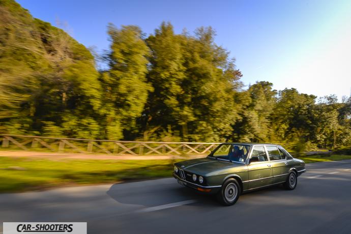 BMW 520 del 1980 verso il mare a torre del lago puccini