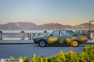 BMW 520 del 1980 al lago di massaciuccoli con sfondo massarosa