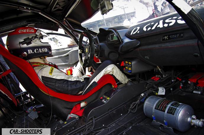 dario caso nella propria auto nella griglia di partenza del ferrari challenge trofeo pirelli all'autodromo del mugello