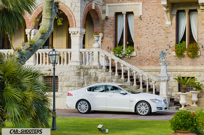 jaguar xf e villa ariston a camaiore