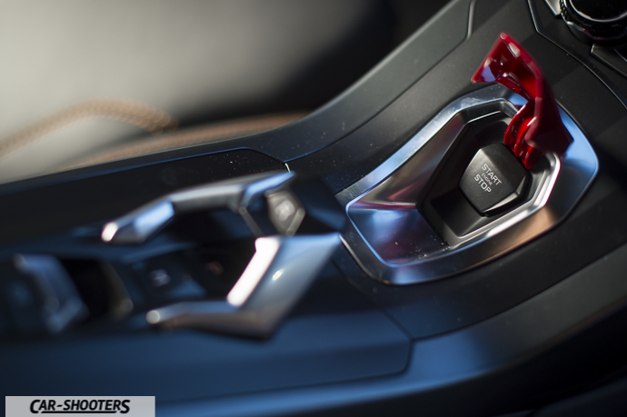 Lamborghini Huracán dettaglio tasto accensione