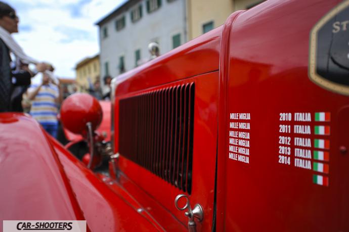 Auto storica alla Millemiglia a cascina
