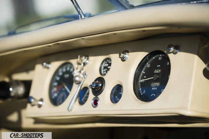 Jaguar XK120 dettaglio dashboard