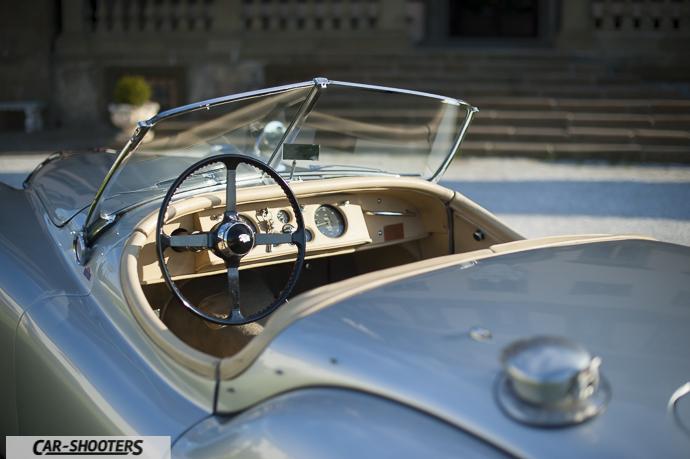 Jaguar XK120 dettaglio abitacolo