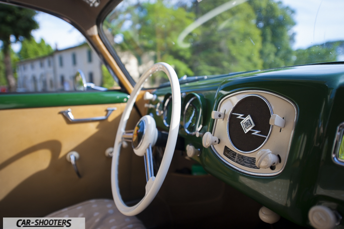 porsche 356 dettaglio interni autoradio