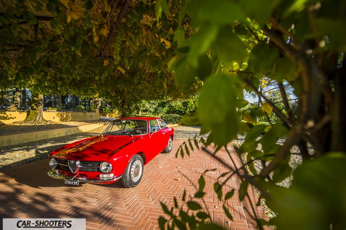 Alfa Romeo Giulia GT Junior nel gazebo di villa castelletti