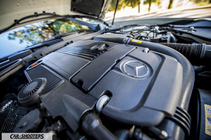 dettaglio motore 1,8 turbo benzina di Mercedes SLK