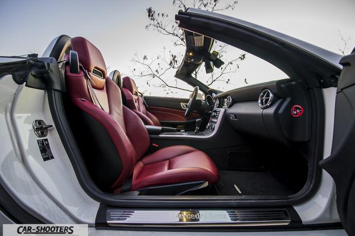 Dettaglio interni Mercedes SLK
