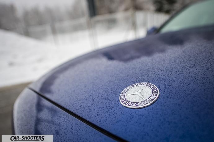 Dettaglio logo Mercedes-Benz frontale Classe C