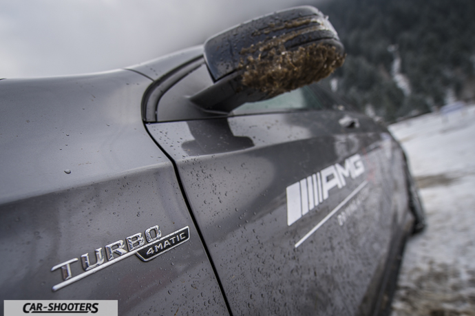 Dettaglio logo Turbo 4MATIC su Mercedes-Benz Classe A AMG
