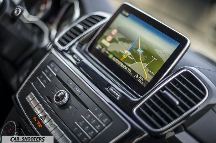 Dettaglio navigatore satellitare Mercedes-Benz GLE Coupé 4MATIC