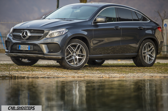 Tre quarti frontale Mercedes-Benz GLE Coupé 4MATIC