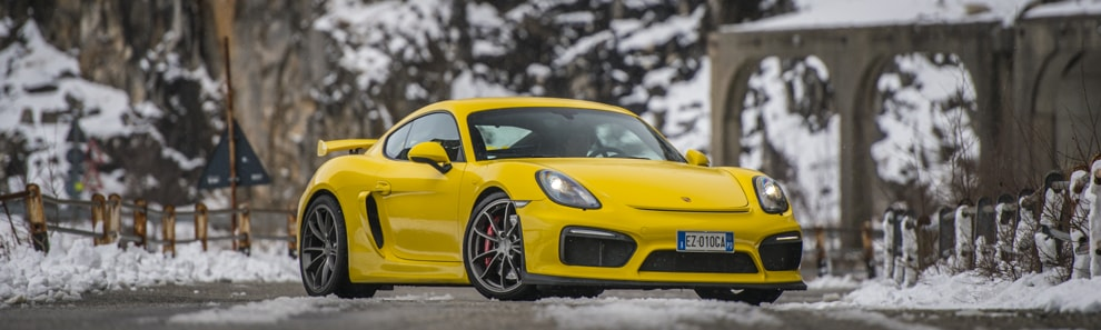 car_shooters_porsche_cayman_gt4_test_drive_coverpano_1