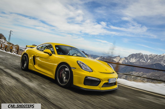 Porsche Cayman GT4 camera car