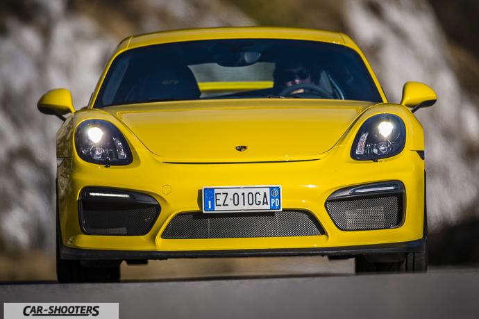 Porsche Cayman GT4 frontale