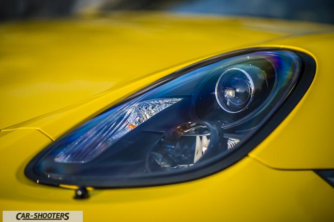 Porsche Cayman GT4 dettaglio faro anteriore