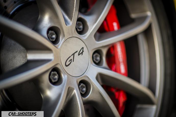 Porsche Cayman GT4 dettaglio cerchio