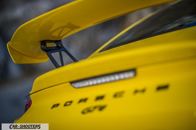 Porsche Cayman GT4 dettaglio spoiler posteriore