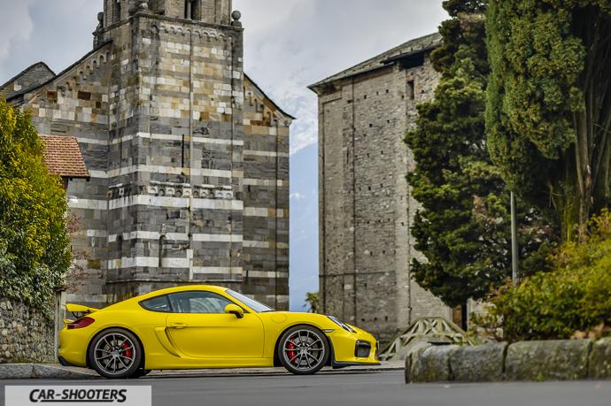 Fianco Porsche Cayman GT4
