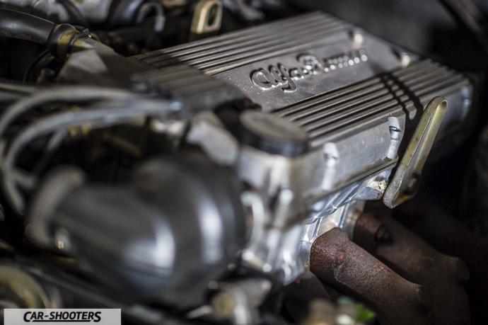 Alfa Romeo 75 motore