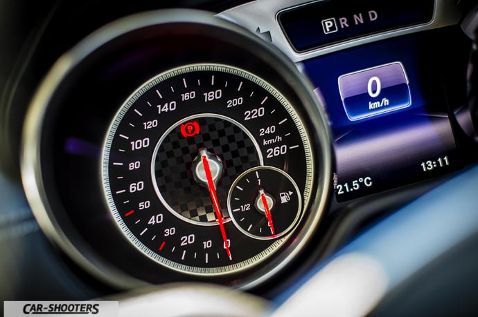 Mercedes-Benz SL400 Dettaglio dashboard
