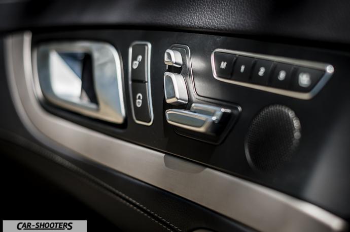 Mercedes-Benz SL400 dettaglio regolazioni sedile elettrici