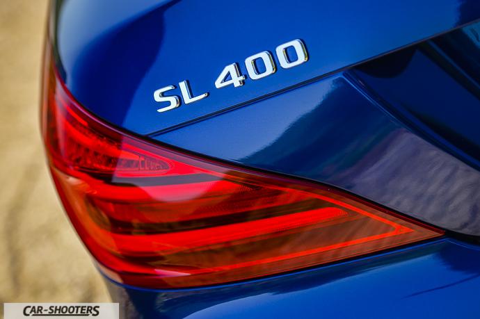 Mercedes-Benz SL400 dettaglio logo posteriore