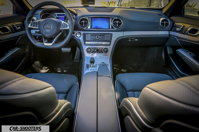 Mercedes-Benz SL400 interni