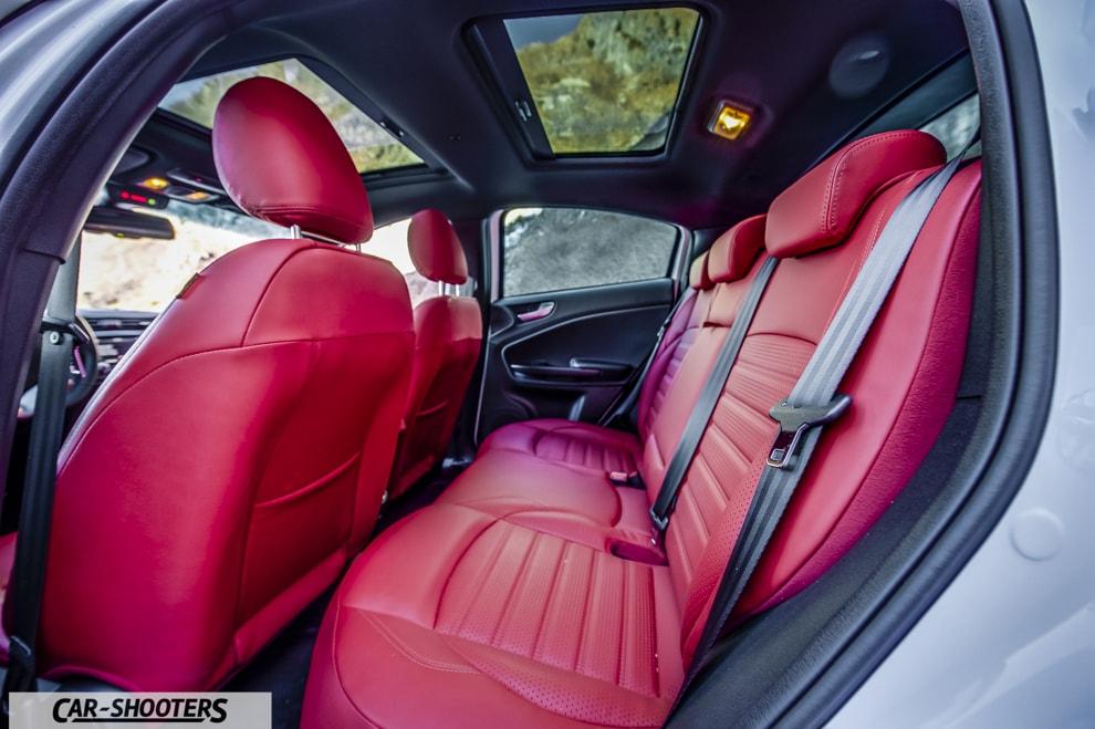 alfa romeo giulietta red leather interior. Black Bedroom Furniture Sets. Home Design Ideas