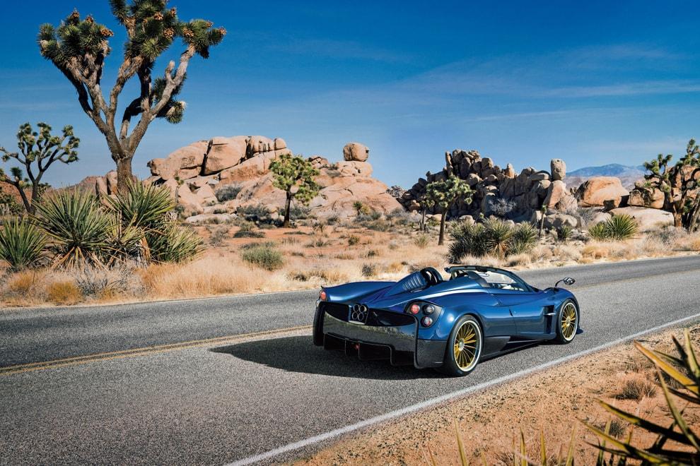 roadster-desert-01