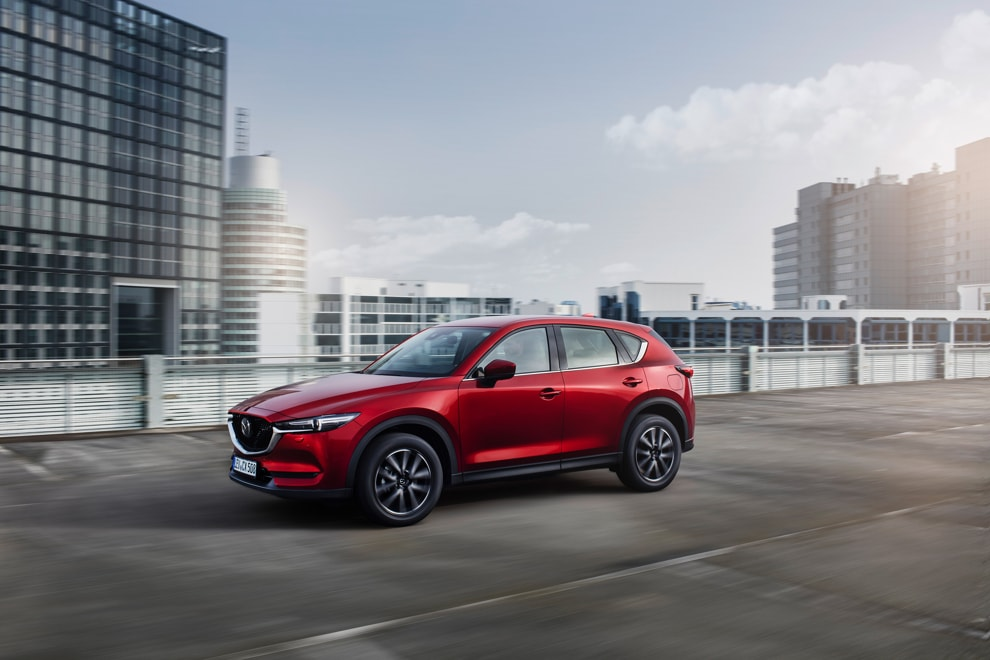 cx-5_geneva_action-3
