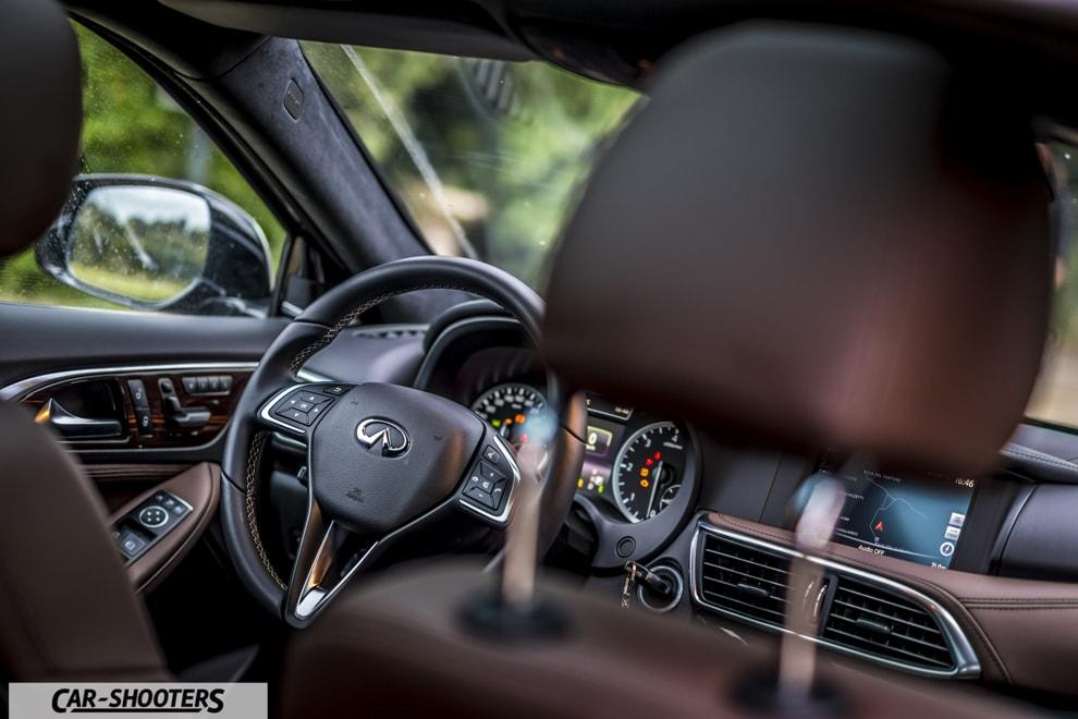 Infiniti Q30 Test Drive