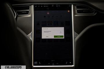 Tesla Model S Touchscreen Funzioni